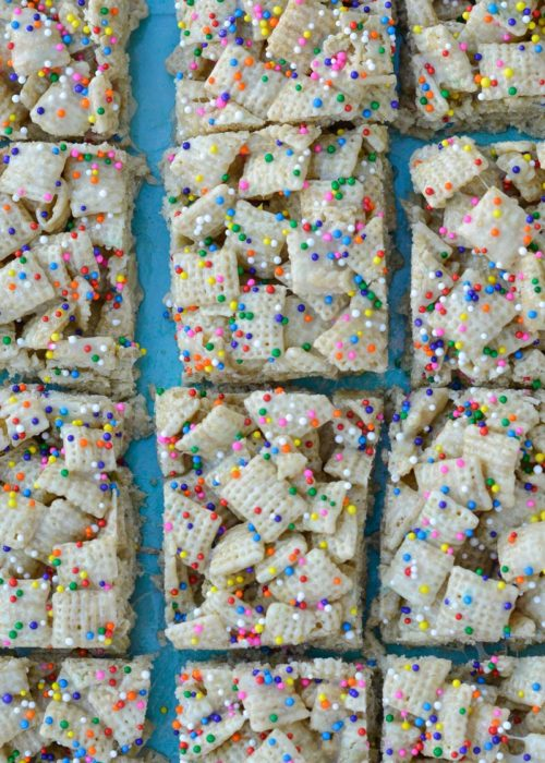 These five ingredient Cake Batter Bars are a sweet gluten free treat! These easy cereal snack bars are the perfect school snack for your kiddos!