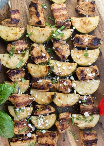 These Easy Grilled Chicken and Zucchini Skewers are keto, low carb and gluten free! These summer kabobs are perfect on their own or on top of a big greek salad! #keto #mealprep