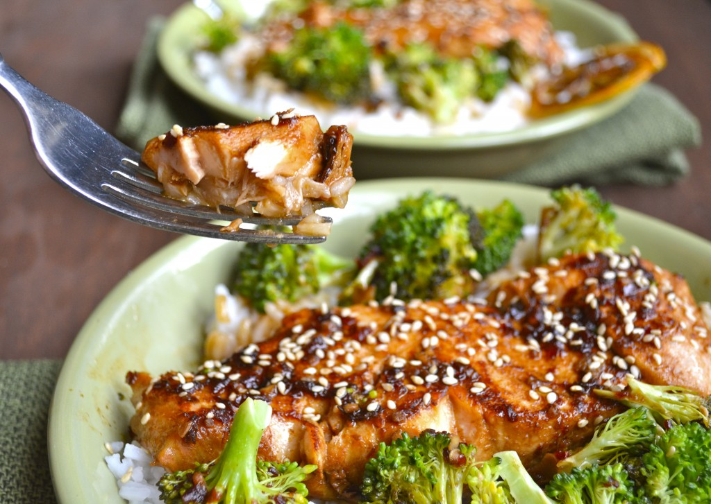 Chili Garlic Salmon and Broccoli Bowls