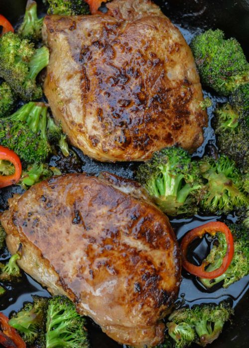 This one pan Asian Pork Chops with Sesame Broccoli is the quick, flavor-packed meal you need for an easy keto weeknight dinner!