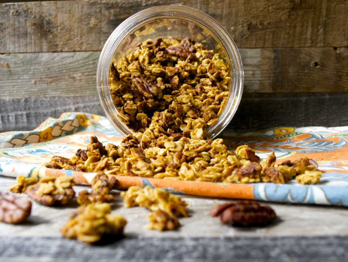 Pumpkin Spice Latte Granola, your Starbucks favorite in a crunchy, healthy snack!