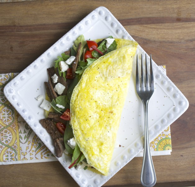 Steak & Feta Power Omelet, a super filling breakfast to help you power through the day!