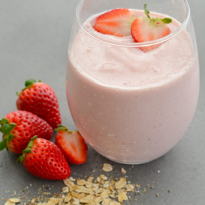 ThisStrawberry Oatmeal Smoothiecomes together in less than 5 minutes and is packed with good-for-you ingredients! Perfect for a quick breakfast or morning snack!