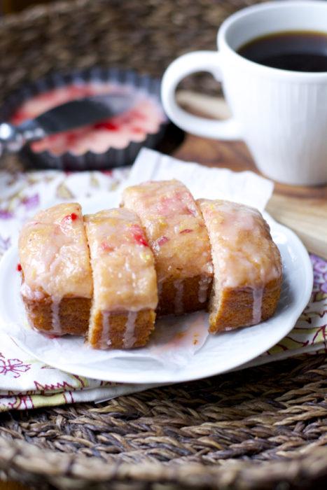 Super simple Strawberry Lemon Bread that tastes just like spring! Bursting with fresh berries and lemon juice!