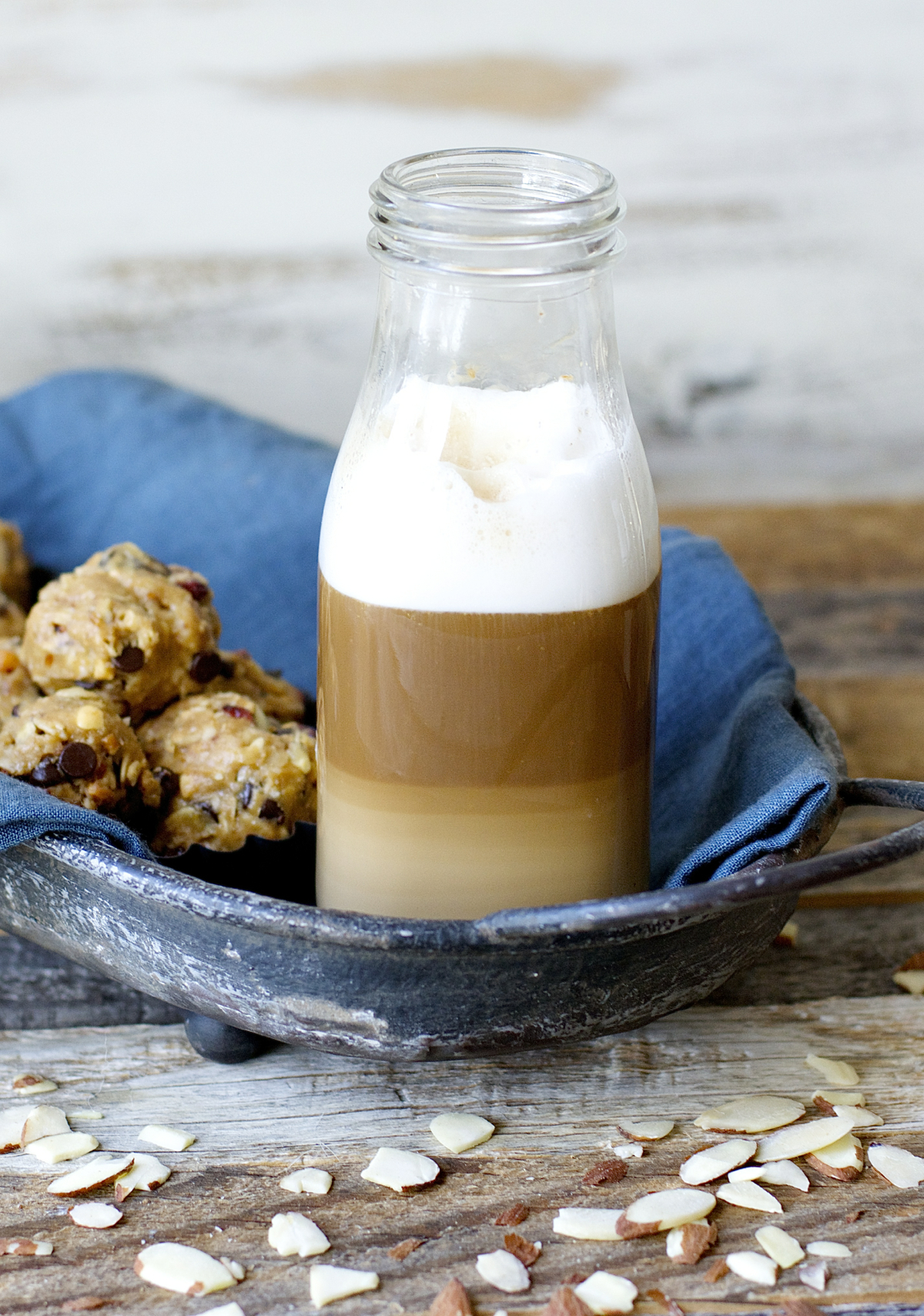 Creamy Vanilla Almond Butter is paired with warm frothy milk and espresso for a beautiful Almond Vanilla Latte!