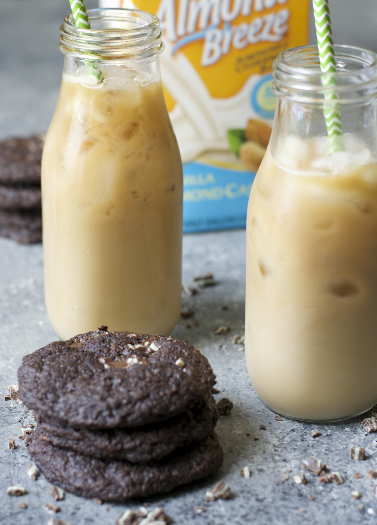 Iced Peppermint Latte! Just five simple ingredients and dairy, soy and gluten free!