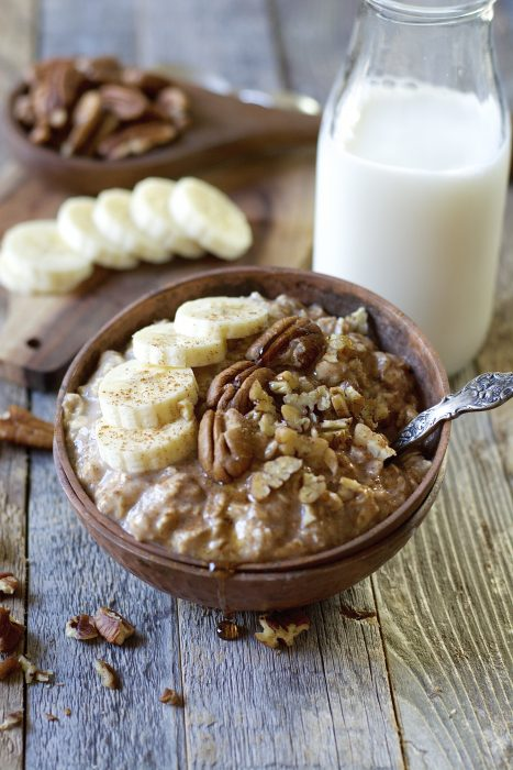 These easy Banana Nut Overnight Oats are packed with sweet banana flavor, gluten free oats, cinnamon and maple syrup! A secret ingredient makes these a protein packed grab and go breakfast!