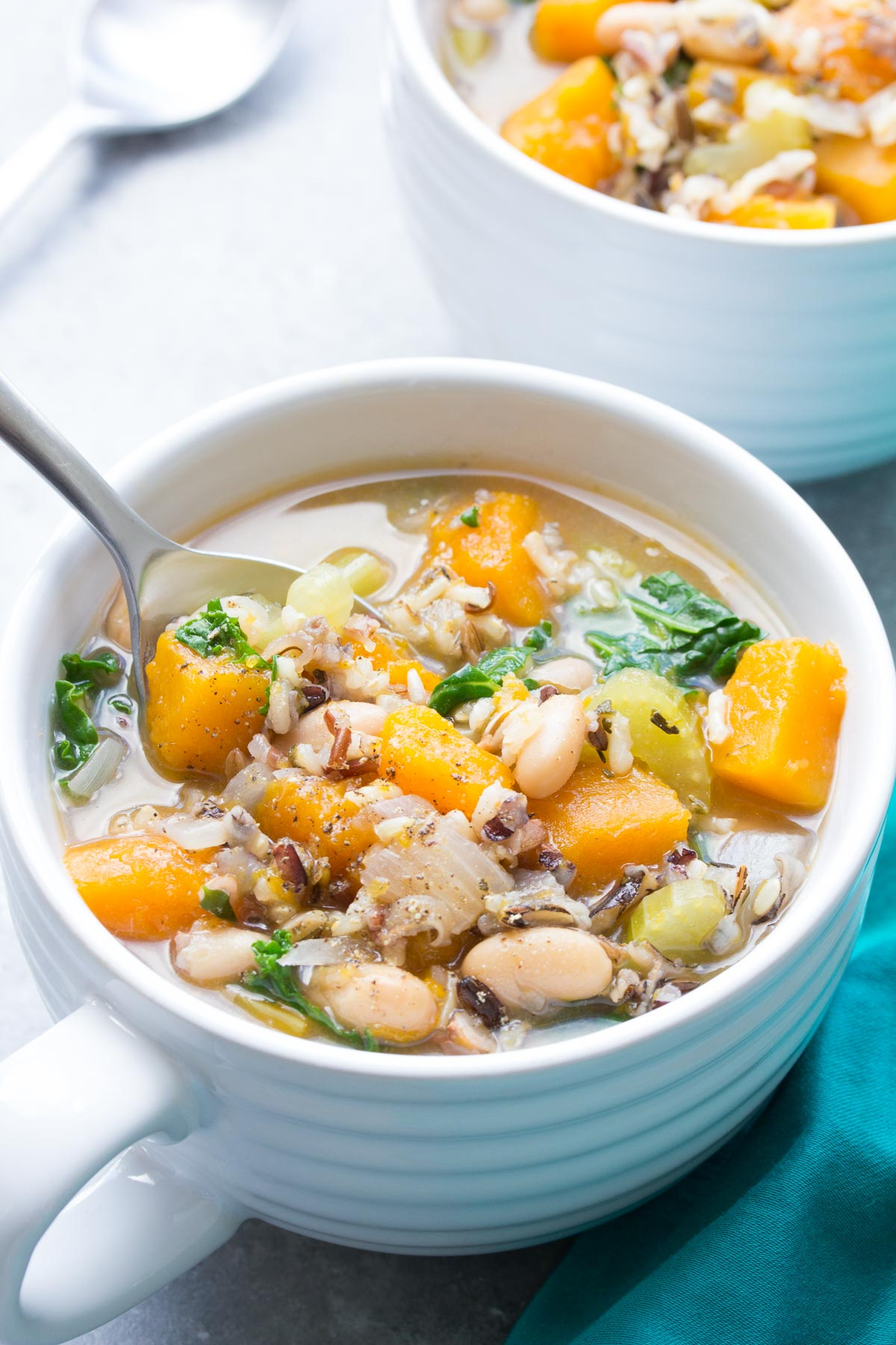 20+ of the Best Gluten Free Soup Recipes perfect for the fall and winter months! You will love how easy this makes meal planning! #mealprep #slowcooker
