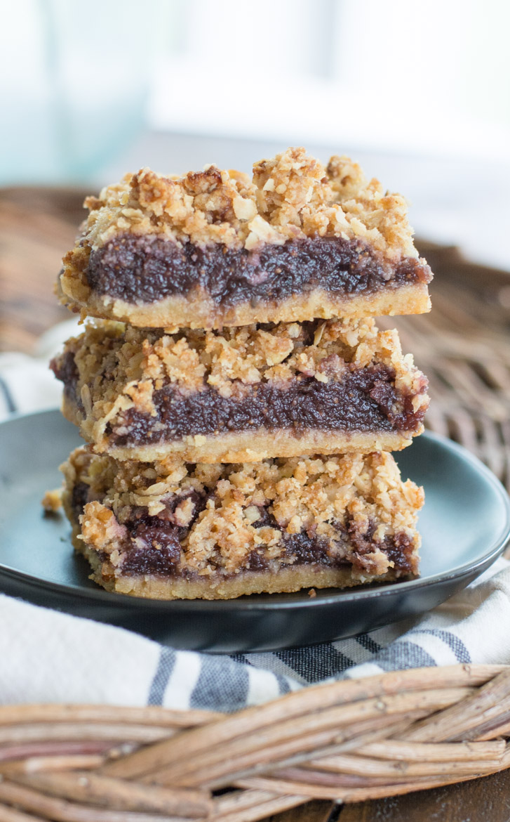 You will love these Easy Fig Bars for a sweet treat. These bars feature an almond flour crust, sweet fig filling and a crumble pecan topping!