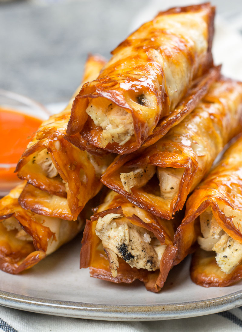 These Keto Buffalo Chicken Taquitos only have three ingredients, can be made in under 10 minutes and have nearly no carbs! #keto