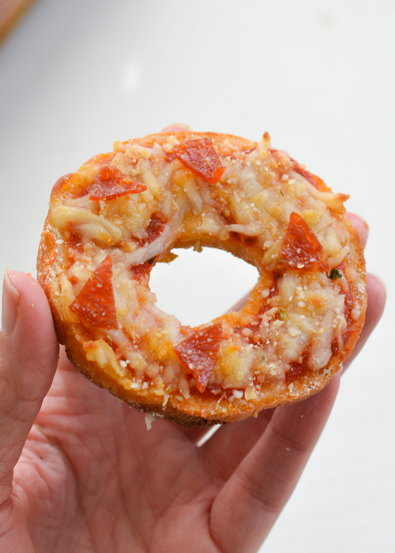 These Keto Pizza Bagels are the perfect low carb, gluten free pizza recipe. Each serving size has under 5 net carbs each and is sure to satisfy your pizza cravings!