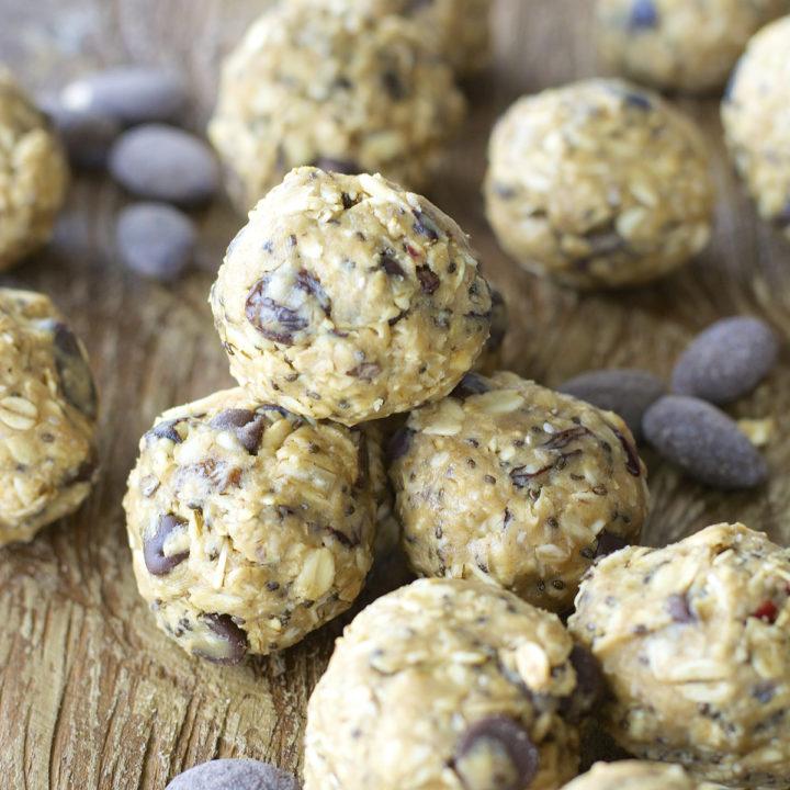 Almond Chocolate Energy Bites